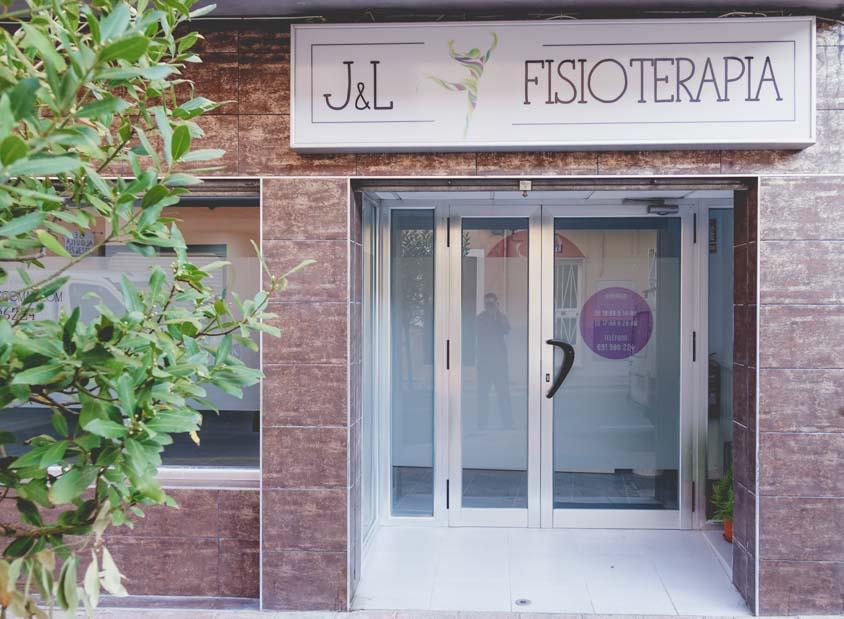 fachada de la clínica